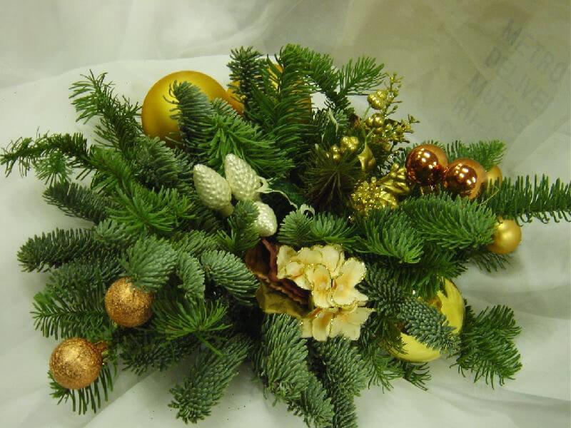 Букет невесты, букеты с веткой елки
