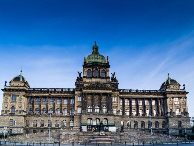 Картинки по запросу Национальный музей на Вацлавской площади