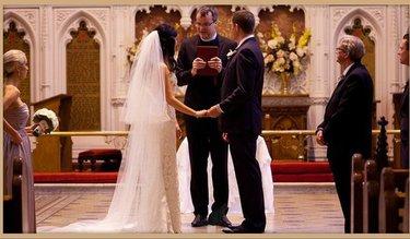 американской свадьбе у алтаря