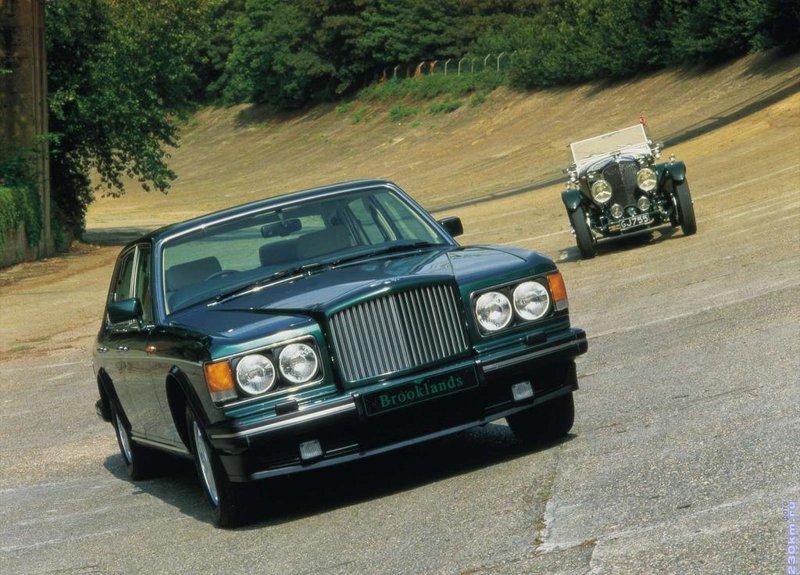 Bentley Brooklands 1992 седан - интерьер-салон, экстерьер-внешний вид-кузов, приборная панель, багажник