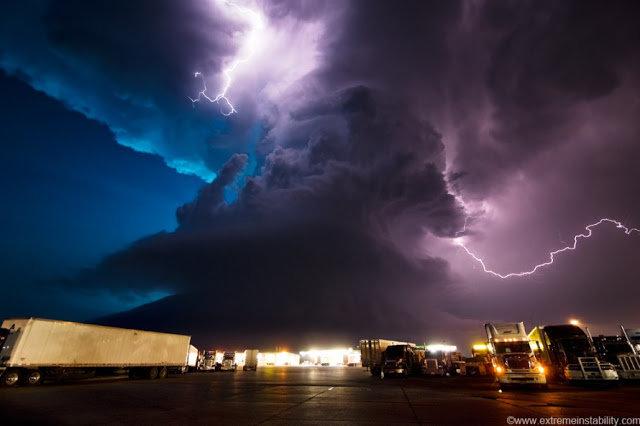 через объектив: Красивые фотографии удара молнии