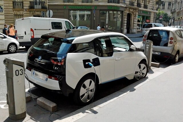 электромобиль,BMW i3