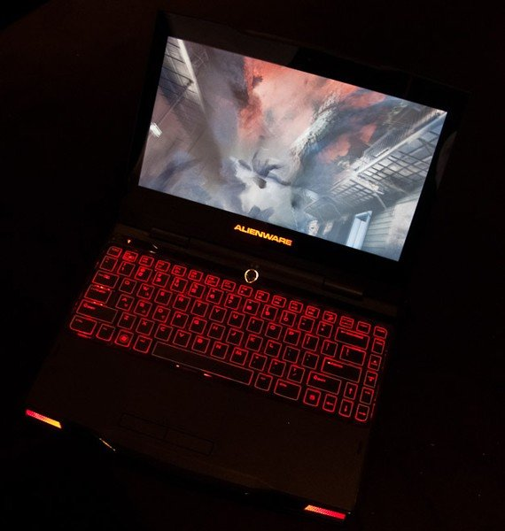 ФОТО: Alienware M11x: игровой мини-ноутбук
