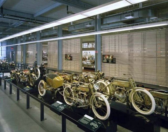 Музей Harley-Davidson (19 фотографий) - Аварии ДТП Автоприколы