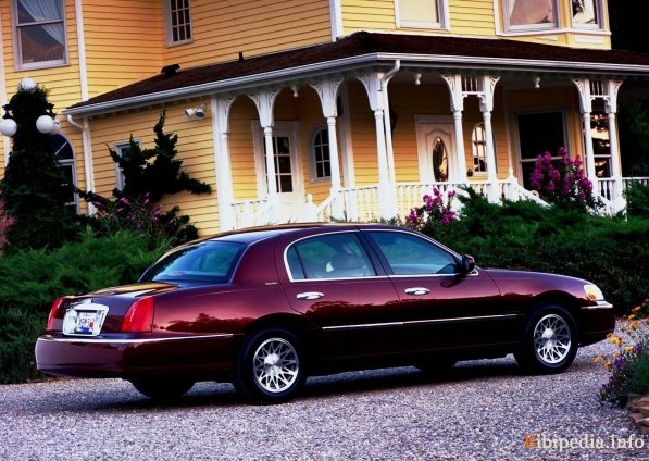 Lincoln Town Car Cartier
