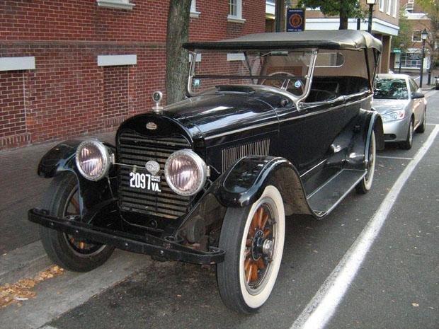 Lincoln V8