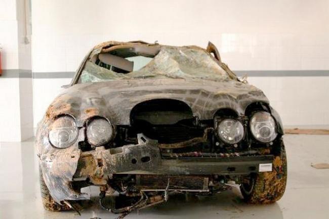 Разбитые суперкары, водители которых не пострадали (15 фото)