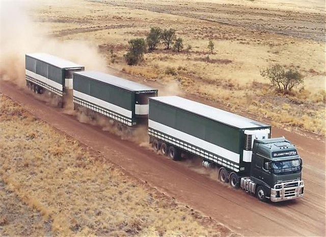 Тяжелые грузовики: Volvo fh16 австалийский автопоезд