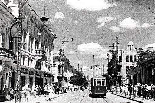 Трамвай на Пушкинской в Симферополе