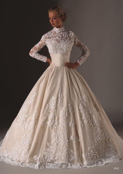 Платья свадебные молочные