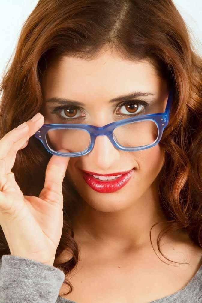 девушки фото макияж под очки можете
