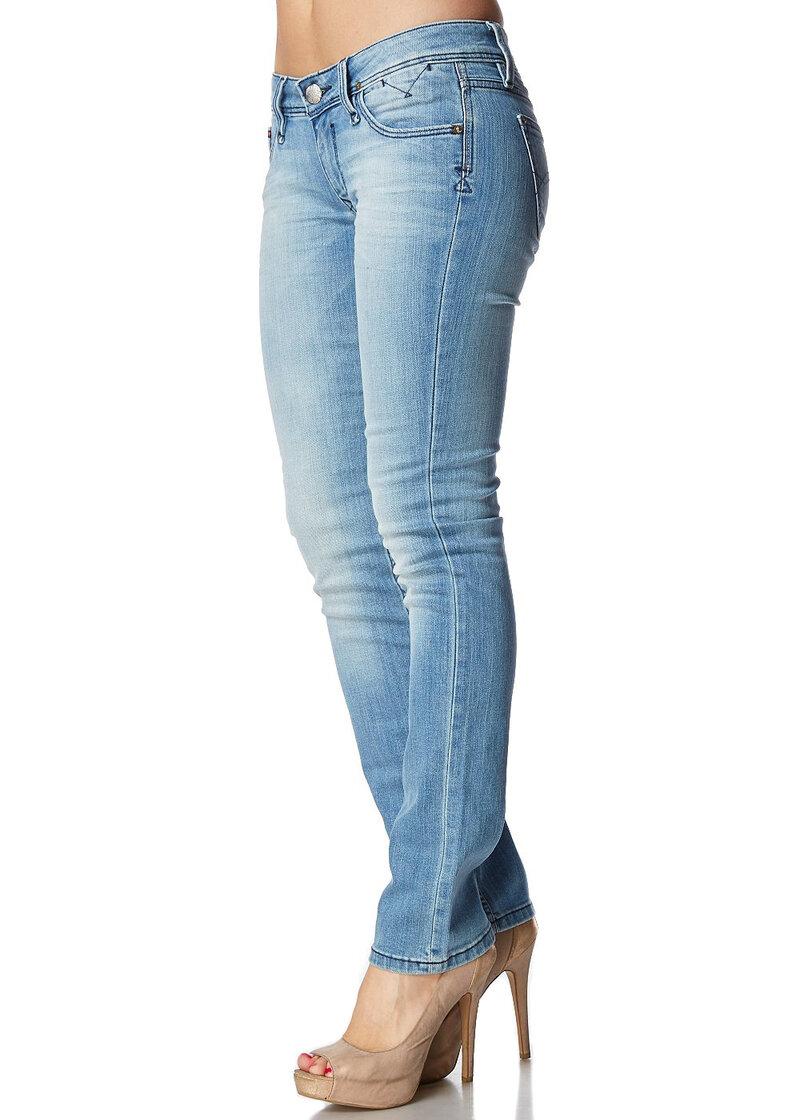 Джинсы бренда HILFIGER Denim женщинам цвет голубой, купите в интернет магазине! | 98% хлопок, 2% эластан, 1657651596