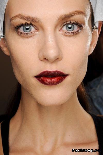 Эффект деграде в макияже губ (Ombre lips) / макияж для губ