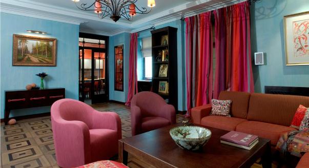 интерьер гостиной из проекта, реализованного компанией Декоратор N.