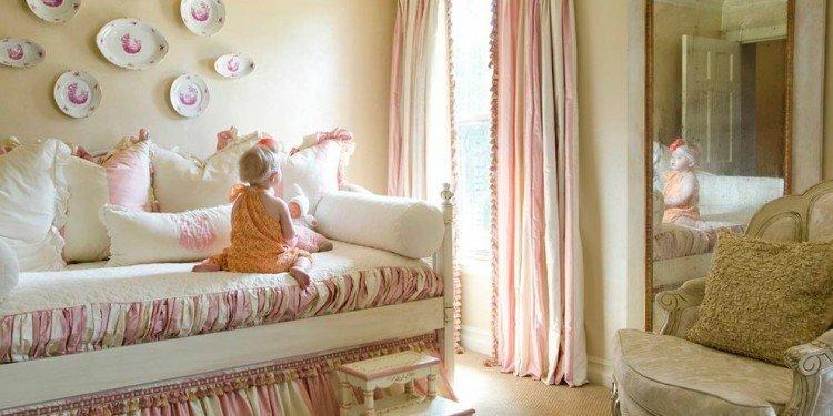 Кровати для девочек разного возраста: совету по дизайну, цвету и материалам