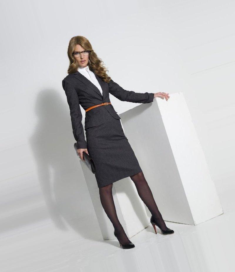 Магазин Деловой Одежды Для Женщин. Магазин верхней женской одежды компании ...