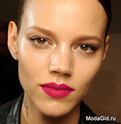 Макияж: Красивый макияж губ