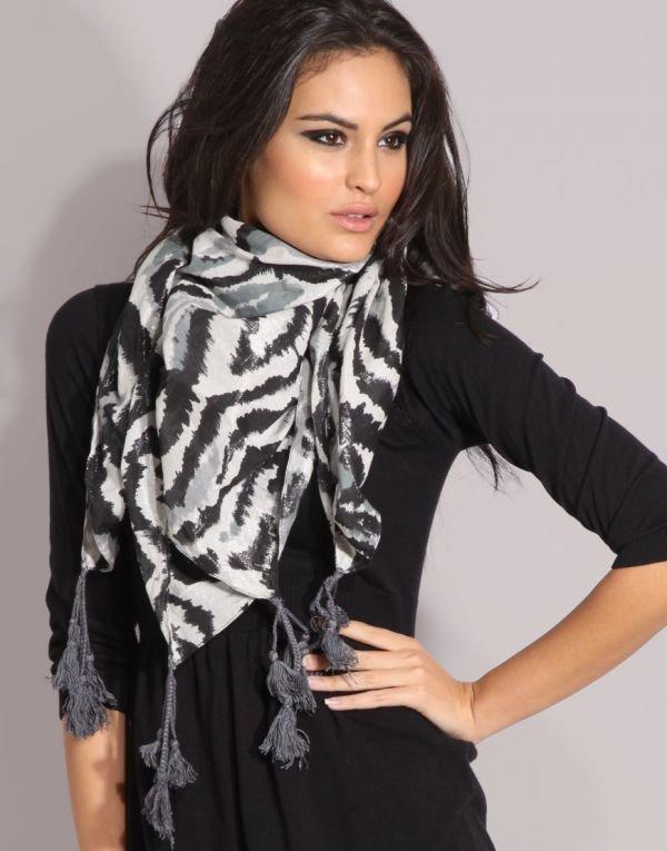 Модные способы носить платки и шарфы 2015-2016 | Мода 2014-2015
