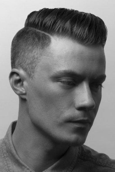 Мужская стрижка с прямым пробором на бок
