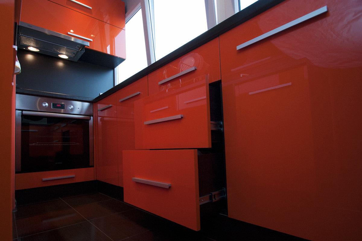 Встроенная кухня на балконе фото