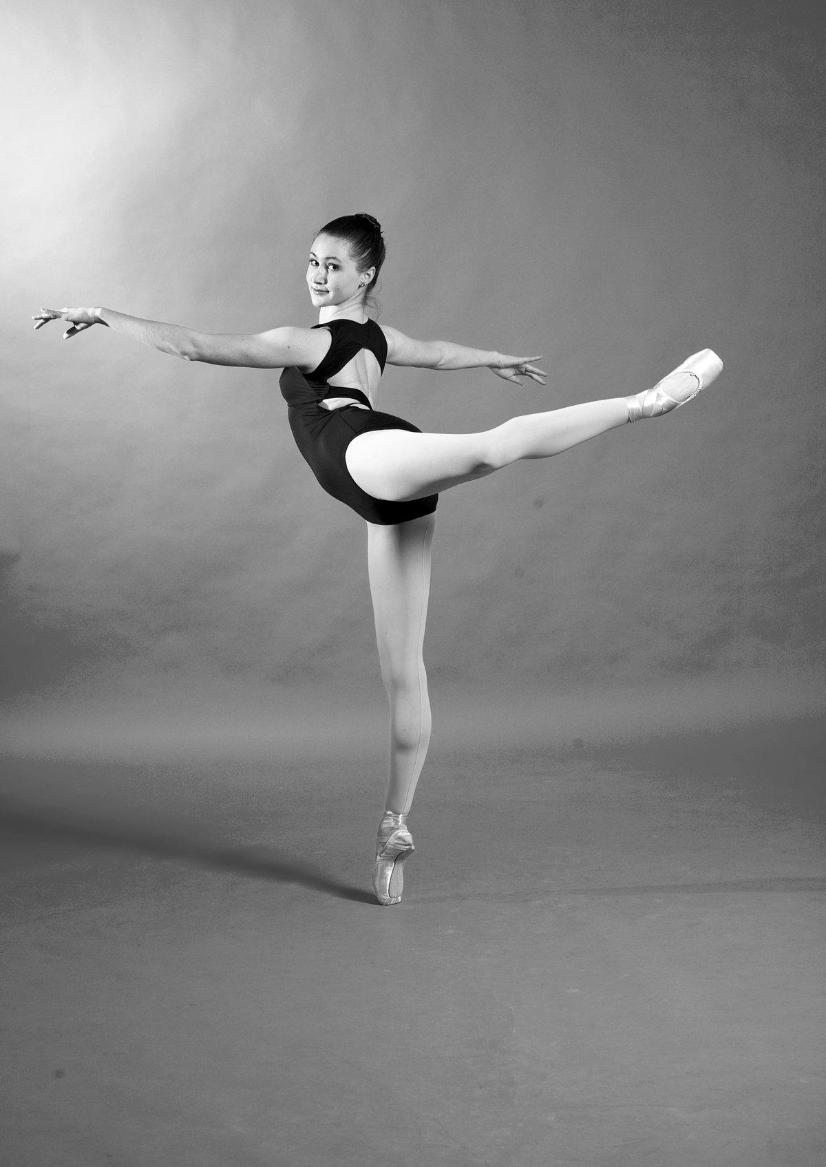 поза балерина фото девушки потаскушки