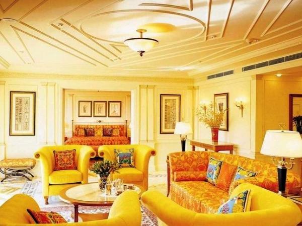Гостиная дизайн в желтом цвете 52
