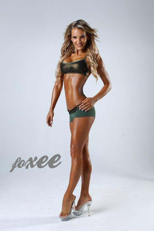 Фитнес бикини модель Sarah Allen | sieverssport