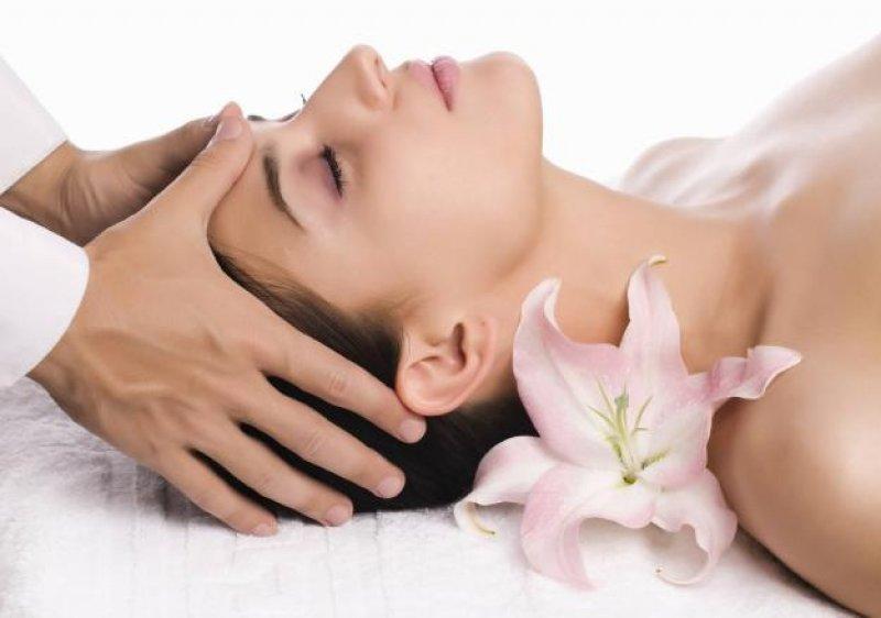 Как правильно провести процедуру массажа лица
