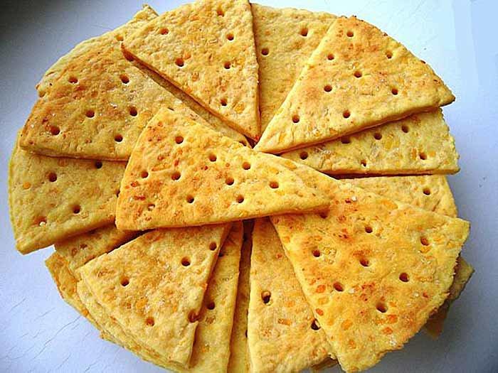 Соленые печенья с сыром