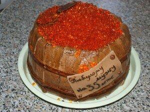 торт Бочонок с икрой мастика