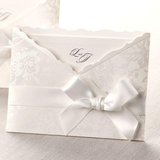 Белая открытка свадебная