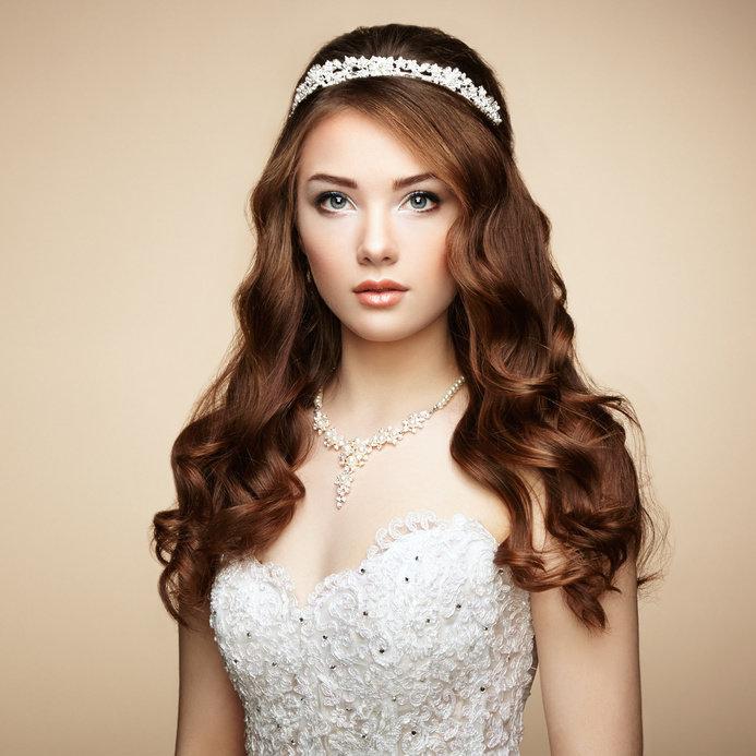 Диадема-обруч - свадебный аксессуар для невесты