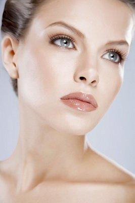 Как правильно сделать дневной макияж / Макияж лица / Девчата.com