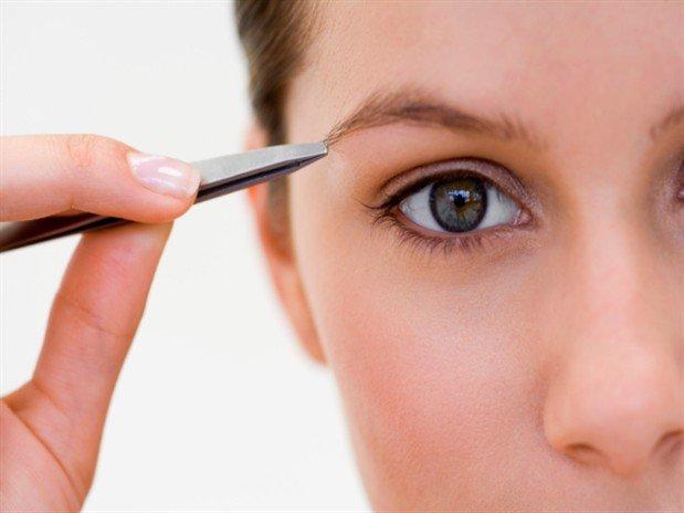 Корекція брів: переваги, недоліки та правила проведення процедури