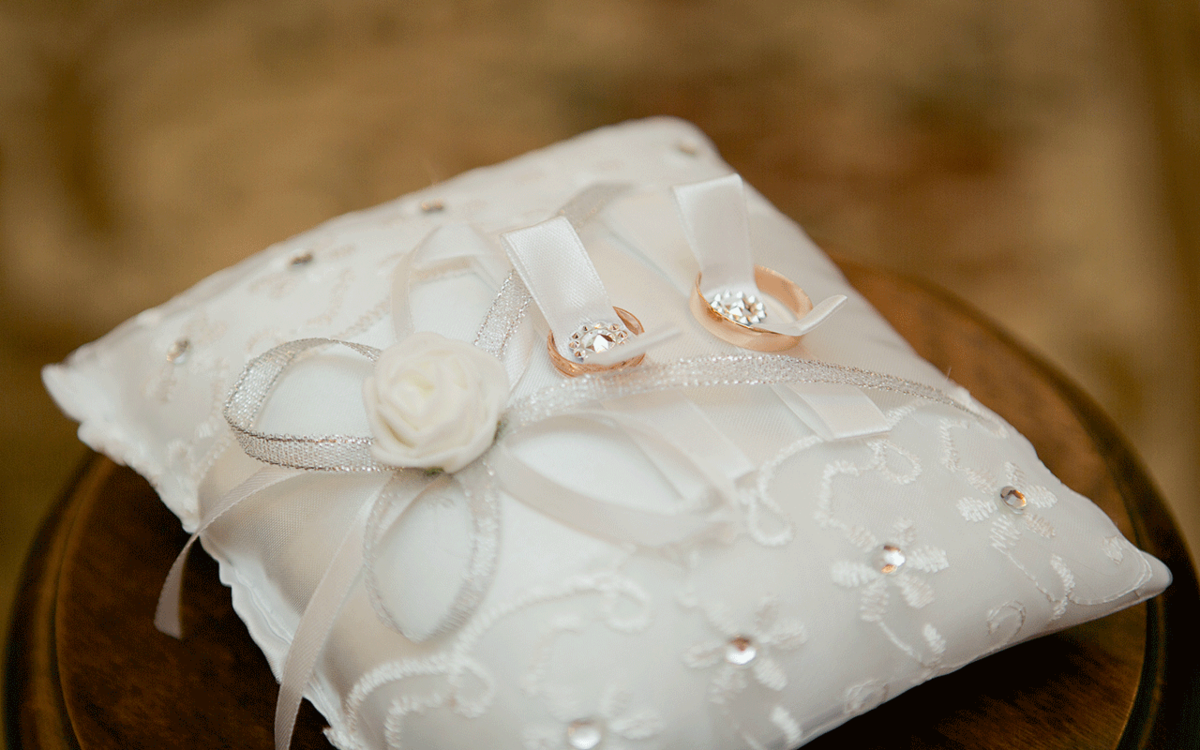 Картинки подушечки для колец на свадьбу