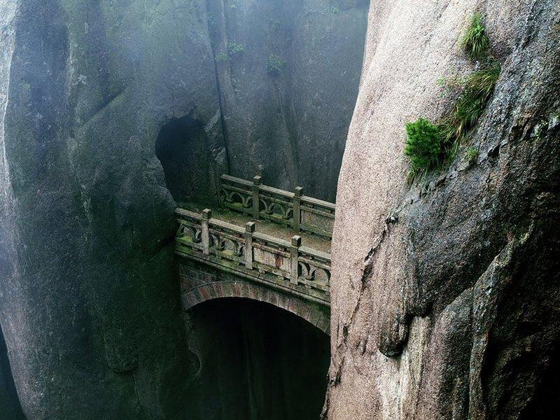 Мост в горах Пиндос, Греция.