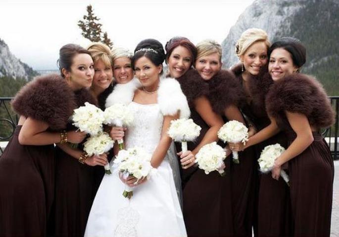 просто преподносим как одеться на свадьбу зимой гостям фото словам