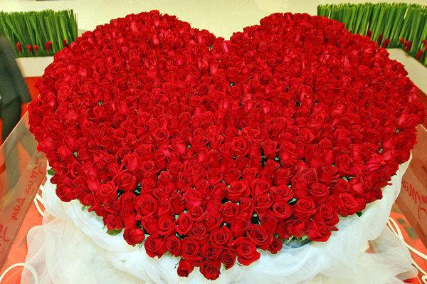Открытка миллион алых роз букет