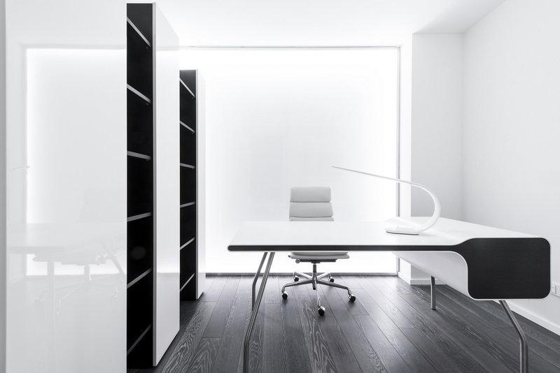 Светлый домашний кабинет - Белоснежного цвета