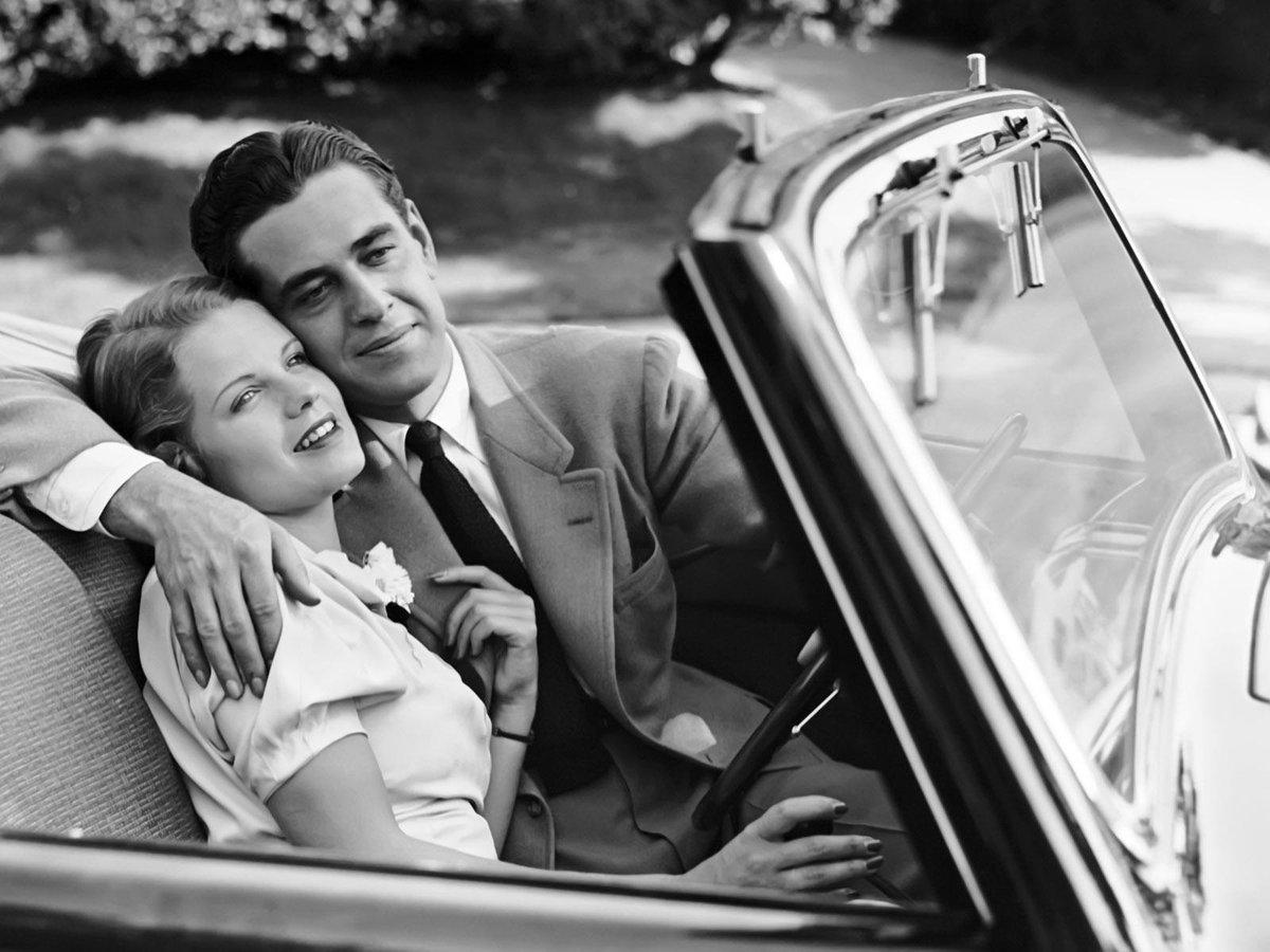 Картинка машина мужчины и женщины