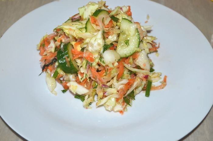 рецепт салата из ранней капусты