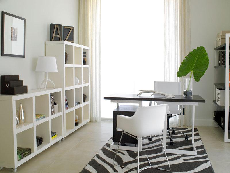 Дизайн домашнего кабинета в бело-чёрном цвете