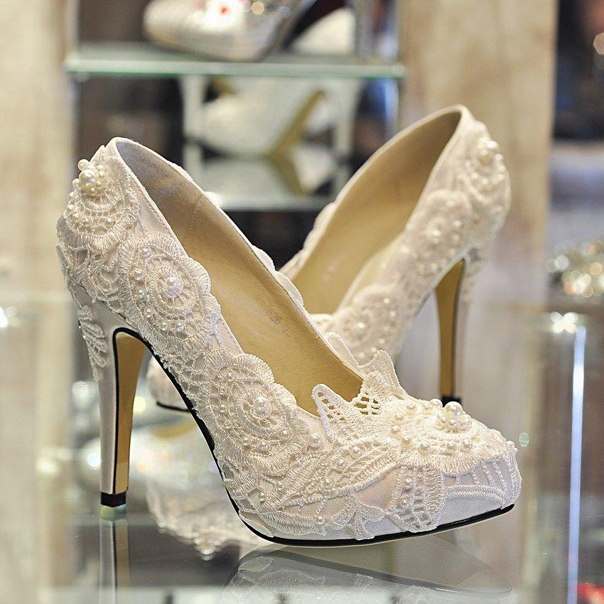 картинки шикарных белых туфель мать-колумбийка дали