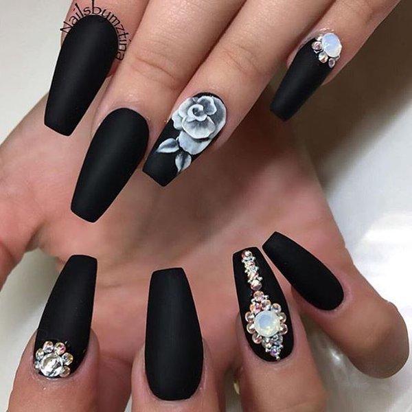 Темный цвет ногтей дизайн