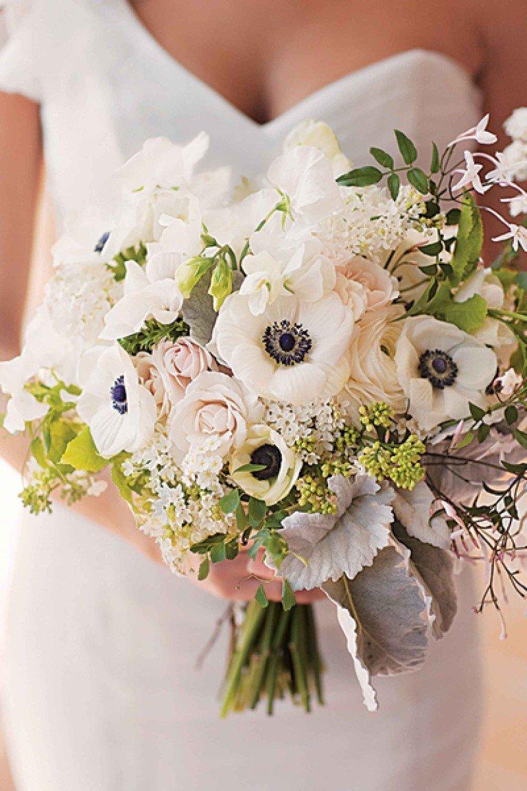 нежный букет для черно-белой свадьбы