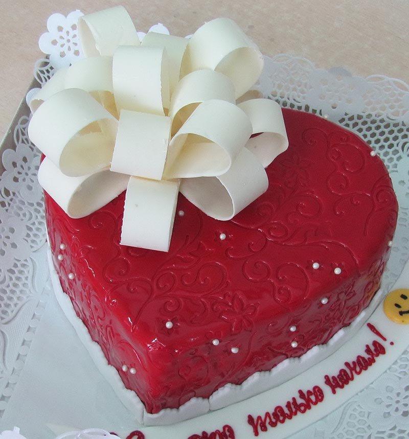 более, торты в виде сердца фото также написал