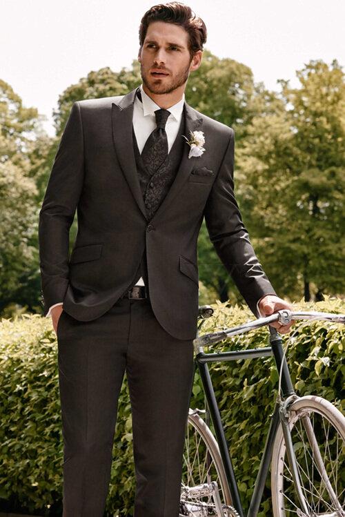 Свадебный коричневый костюм