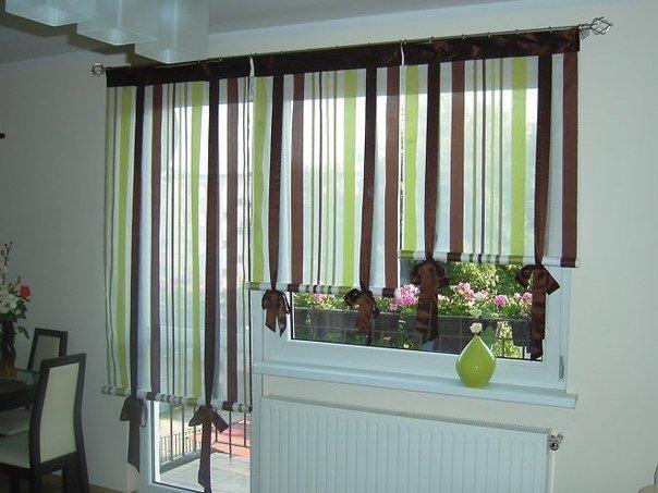 Шторы на кухню с балконной дверью: правила выбора и 36 вариа.