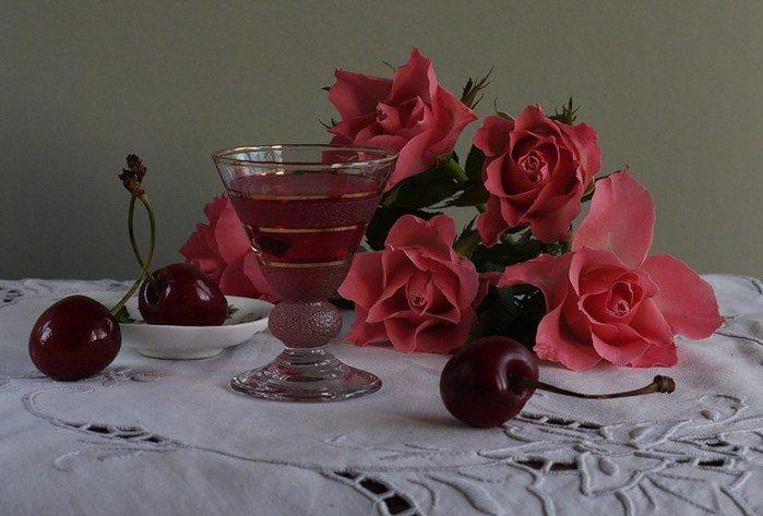 Открытки вишневые розы