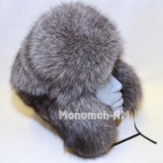 """Цельномеховая, мужская шапка """"Зимушка"""" изготавливается из меха финского песца """"Blue Fox"""" или """"голубой иней"""". Мех этого уникального, искусственно выведенного животногогустой, пушистый и очень теплый. Головные уборы из этого меха необычайно уютны и приятны и смогут защитить вас от холодной зимы."""